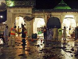 Pakistanda Türbeye Bombalı Saldırı: 42 Ölü