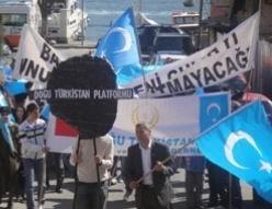 Doğu Türkistan Katliamı Protesto Edildi