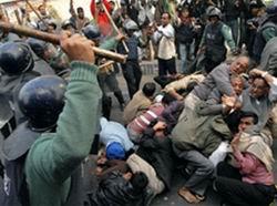 Bangladeş'de Tehlikeli Gelişmeler