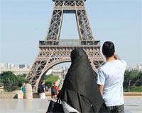 Fransada Suç İşleyen Göçmeni Atmaya Onay