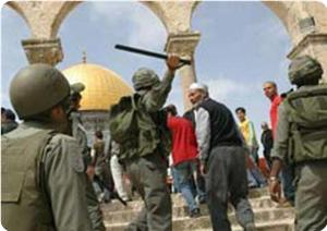Müslümanlara Mescid-i Aksada Namaz Engeli