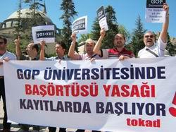 GOP Üniversitesine Başörtüsü Protestosu