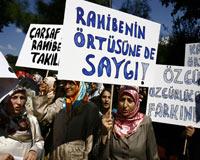Rahibe Afişi Protesto Edildi