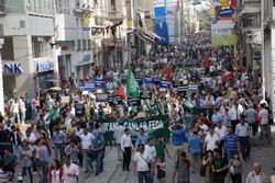 Kuranın Yakılmasına Taksimde Protesto