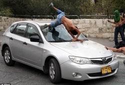 Siyonist Sürücü Filistinli Çocukları Ezdi