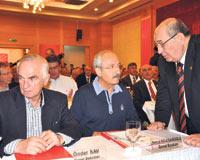 CHP, Resepsiyon İçin Vekilleri Serbest Bıraktı