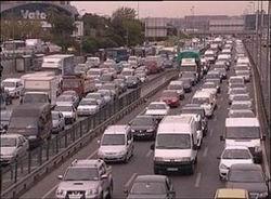İstanbul Trafiğine Sağ Şerit Çözümü