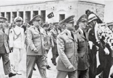 """CHP """"27 Mayıs""""ı Ulusal Bayram İlan Etmişti"""