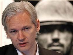 Wikileaksin Sahibi Assange Tutuklandı
