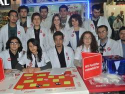 Üniversitede Öğrencilere Kondom Dağıtıldı