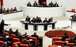 """Mecliste """"Cani Öcalan"""" ve Pazarlık Tartışması"""