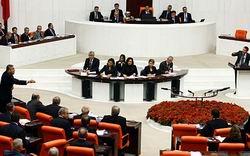 BDP ve CHP'den Meclis'e Dönüş Sinyalleri