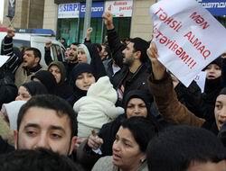 Azerbaycanda Başörtüsü Yasağı Devam Ediyor!