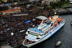 Mavi Marmara Gemisi Coşkuyla Karşılandı