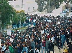 Cezayir ve Tunus Halkı Ayakta!