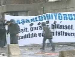 Öğrencilerle Polis Arasında Yine Çatışma Çıktı