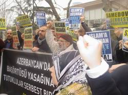 Özgür-Der, Aliyev Diktasını Protesto Etti!