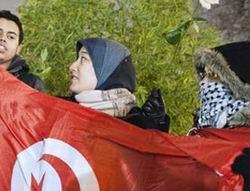 Tunus'ta Cezaevleri Boşaltılıyor, Sürgünler Dönüyor