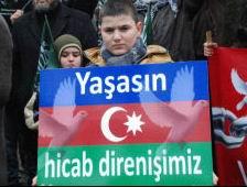 Azerbaycandaki Yasak Yarın da Protesto Edilecek
