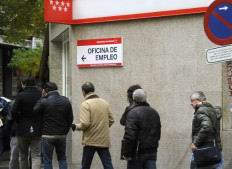 İspanyada 5 Kmlik İşsizlik Zinciri