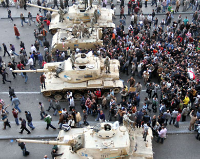 Mısır'da Hedef Mübarek'i Devirmek