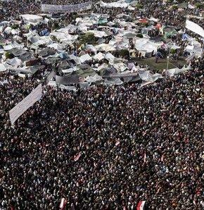 Tahrir: Mübarek Rejimi Tasfiye Edilmeli