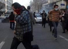 """İranda """"Musavi ve Kerrubi'ye Ölüm!"""" Sesleri"""