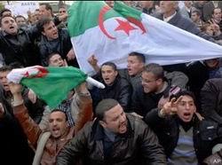 Cezayirde Olağanüstü Hal Kalkıyor