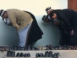 Tacikistanda Camii 18 Yaşından Küçüklere Yasak!