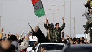 Kaddafiye Bağlı Güçler Püskürtüldü