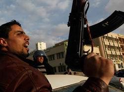 Kaddafi Güçleri Yine Saldırdı: 15 Ölü
