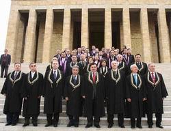İslami Kuruluşlar AYM Kararını Görüşecek