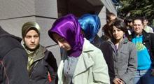 Ege Üniversitesi: Türbanlılar Giremez!