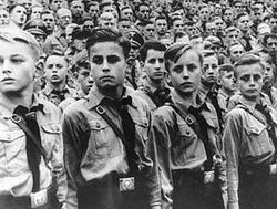 """Faşist Rejimler de """"Andımız""""ı Okutuyordu"""