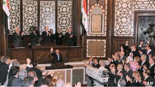 Suriyede Olağanüstü Hal Kalktı