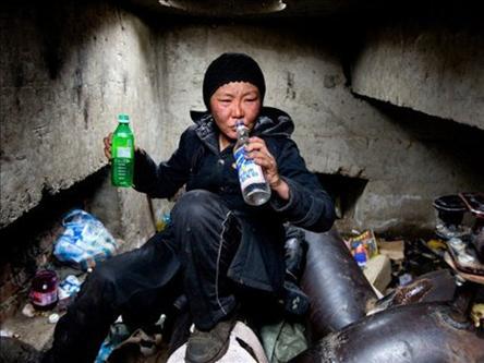 Milyonlar Yeraltı Sığınaklarında Yaşıyor