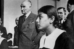 23 Nisan Efsanesi ve Atatürk