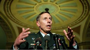 CIA Başkanlığına Petraeus Getiriliyor