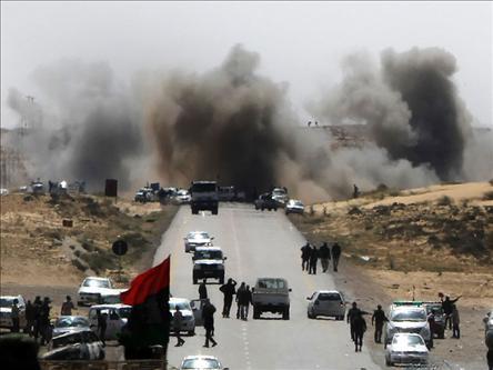 Kaddafi Tunusa Saldırdı!
