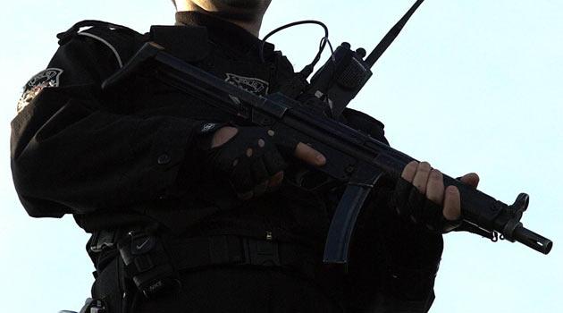 Başbakanı Koruyan Polis Ekibine Silahlı Saldırı
