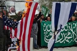ABD Terörü Fatih Camii'nde Protesto Edildi