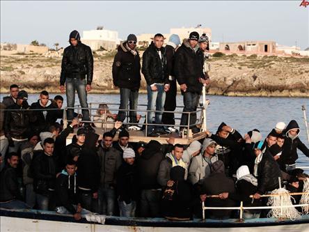 Yüzlerce Libyalı Mülteci Denizde Yok Oldu