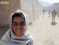 NATO, Afganistan'da Bir Kız Çocuğunu Vurdu!