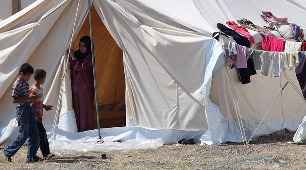Suriyeden Türkiye Sınırına Mülteci Akını