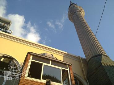 İzmirde Merkezi Ezan Rezaleti (Video)
