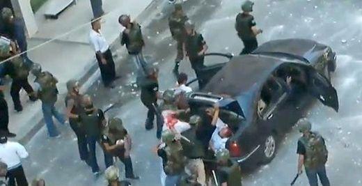Göstericileri Dövüp Bagaja Kilitliyorlar!