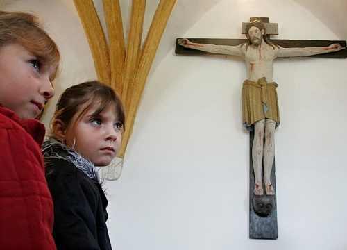 """Arnavutluk, 100 Yaşına """"Hristiyan"""" Olarak Giriyor…"""