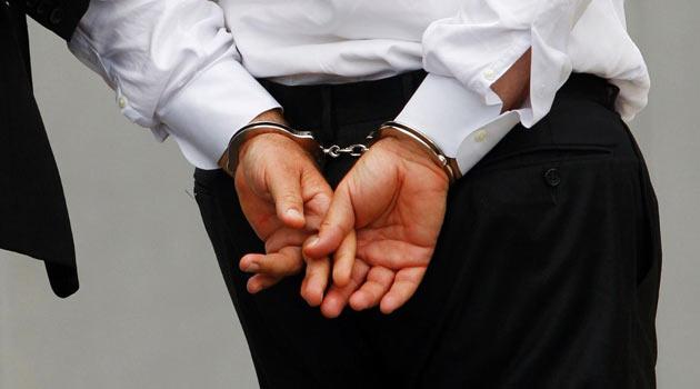 İhale Yolsuzluğundan 12 Kişiye Tutuklama