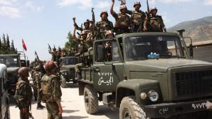 Suriye Ordusu Hamada Kuşatmayı Daraltıyor