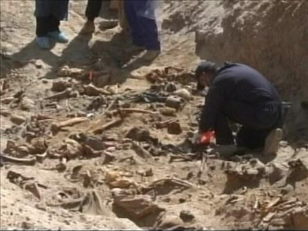 Irakta Toplu Mezar Ortaya Çıkarıldı